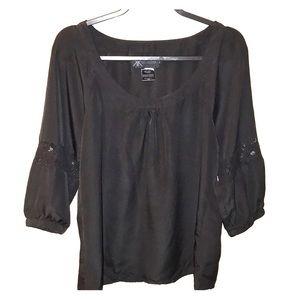 Kardashian Kollection blouse large black w/lace